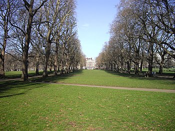 English: Green Park Taken toward Piccadilly