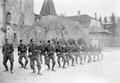 Gruppe von Infanteristen beim Bajonettfechten - CH-BAR - 3238126.tif