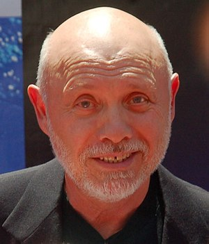 Héctor Elizondo - Elizondo at the premiere for Earth in 2009
