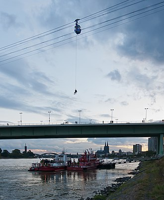 Rope rescue - Rope rescue exercise on the Cologne Cable Car