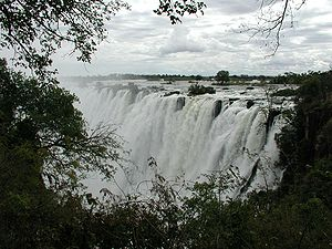 English: The Victoria Falls on the Zambian-Zim...