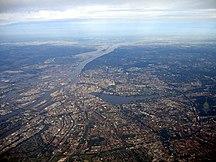 Hamburg-Geografiskt läge-Fil:Hamburgfromair2