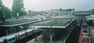 Harrow & Wealdstone station - Harrow and Wealdstone station, with the DC electric platforms to the left, and main line fast platforms to the right.