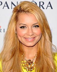 Havana Brown bei den Cosmopolitan Fun Fearless Female Awards 2012