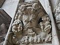 Heilig-Kreuz-Münster Schwäbisch Gmünd Konsole Blattgesicht.jpg