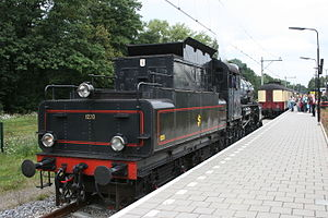 SJ A - The A class tender was also used with B class locomotives. This image of preserved B 1220 shows the shape of the Gölsdorf type tender.