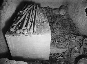 Hetepheres I - Tomb G7000X of Hetepheres I, burial chamber, looking South (1926)