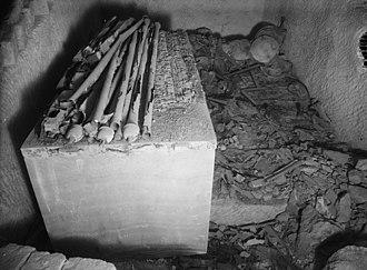Hetepheres I - Tomb G7000X of Hetepheres I, burial chamber, looking South (1926)