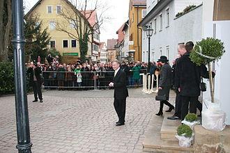 Horst Köhler - Horst Köhler in Brackenheim after unveiling a bronze statue of Theodor Heuss