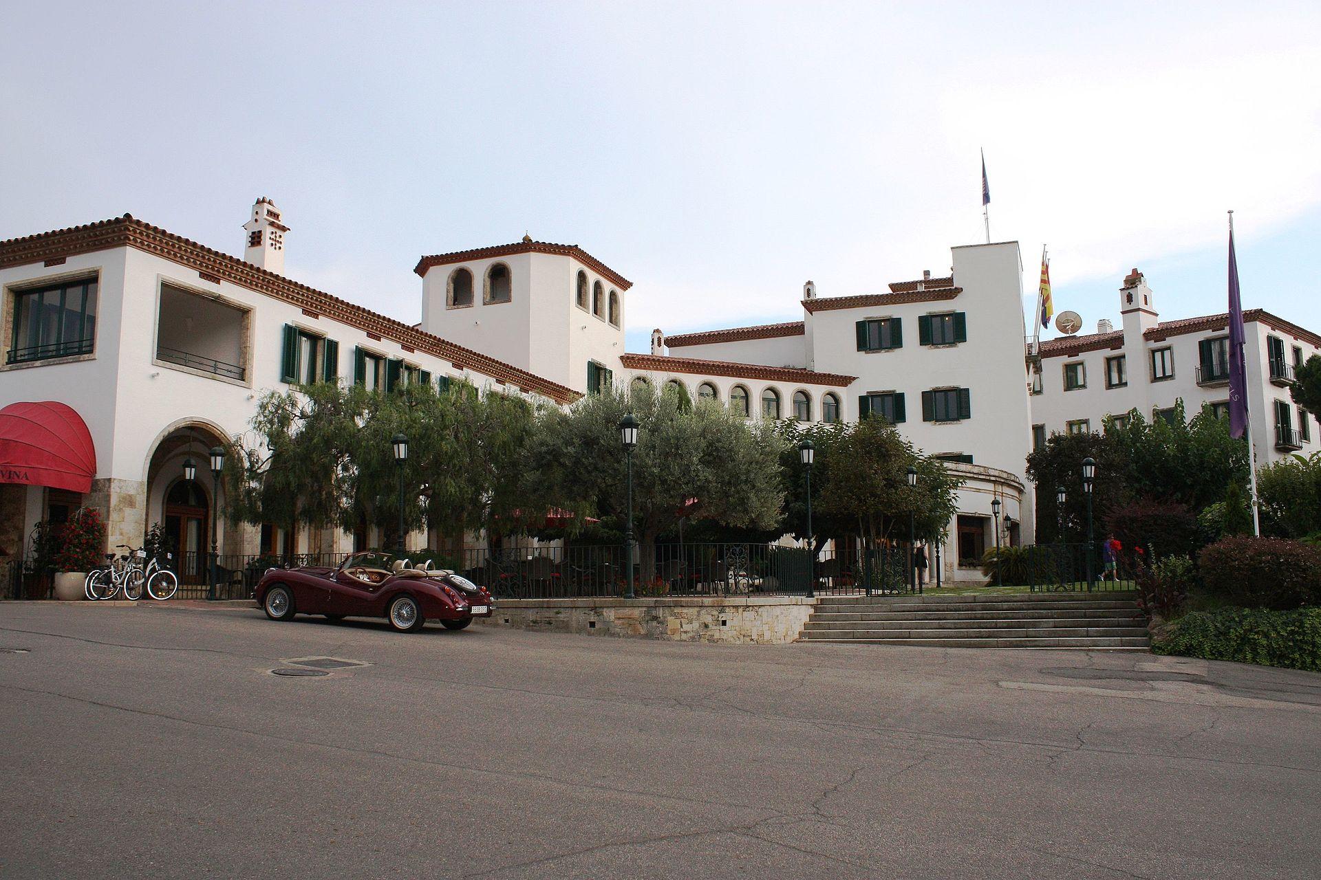 Hostal de la gavina viquip dia l 39 enciclop dia lliure for Hotel la gavina