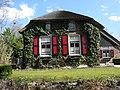 House, Giethoorn (8647994011).jpg