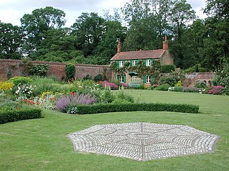 Hoveton - Hoveton Hall Gardens.