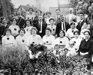 Hungarian Americans - Hungarian immigrants celebrating the sunflower harvest in Cleveland, 1913.