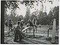 Ignacy Płażewski, Plac zabaw w parku w Łodzi, I-4720-19.jpg
