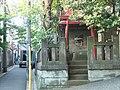 Inari Shrine (稲荷神社) - panoramio (21).jpg