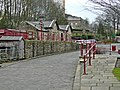 Ingrow West Railway Station - geograph.org.uk - 1057620.jpg
