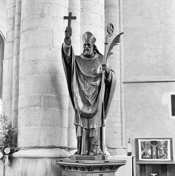File:Int. houten beeld, Sint Lambertus - Wouw - 20320531 - RCE.jpg