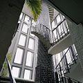 Interieur, onderaanzicht van trappenhuis (met oude schoorsteen als spil) - Boxmeer - 20384799 - RCE.jpg