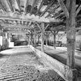 Interieur, overzicht koestal - Houthem - Sint Gerlach - 20343871 - RCE.jpg