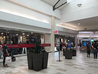 Sunrise Mall (Brownsville, Texas) - Image: Interior of Sunrise Mall