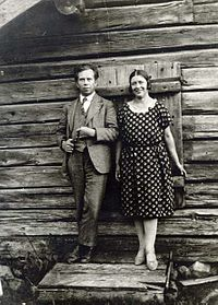 Ivar Lo-Johansson tilsammen med Maria Nordberg, det virkelige forbillede til Grader.