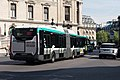 Iveco Urbanway 18 Hybride 5548 RATP, ligne 27, Paris 001.jpg