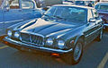 Jaguar XJ Series III (Les chauds vendredis '11).JPG