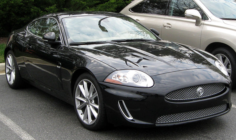 800px-Jaguar_XKR_--_04-08-2011.jpg