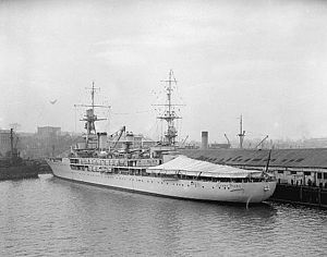 French cruiser Jeanne d'Arc (1930) - Image: Jeanne d'Arc School Cruiser at Vancouver 3