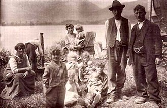 Yenish people - Yenish at Lake Lauerz, Schwyz, Switzerland, 1928
