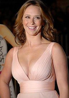 Jennifer Love Hewitt – Wikipedia