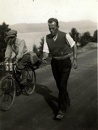 Johan Støa (sportsperson) - Johan Støa walking from Trondheim to Oslo in 1933