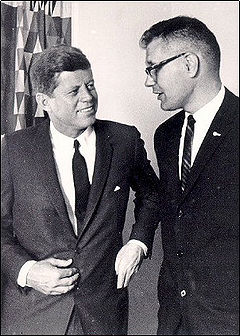 https://upload.wikimedia.org/wikipedia/commons/thumb/e/e4/John_D_Dingel%26Jfk.jpg/240px-John_D_Dingel%26Jfk.jpg