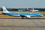 KLM Cityhopper, PH-EZH, Embraer ERJ-190STD (44341899132).jpg