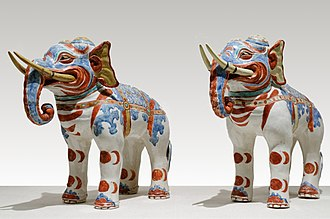 Kakiemon - Image: Kakiemon elephants BM JA 1980.3 25.1 2 (retouched)