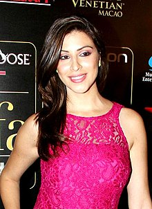 Karishma Kotak at the green carpet of IIFA Awards 2013.jpg