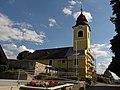 Kath. Pfarrkirche Hl. Dreifaltigkeit in Oberstrahlbach.jpg