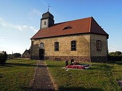 Kirche Grabo bei Straach -Südostansicht mit Zuwegung hofseitig- Ende September 2020.jpg