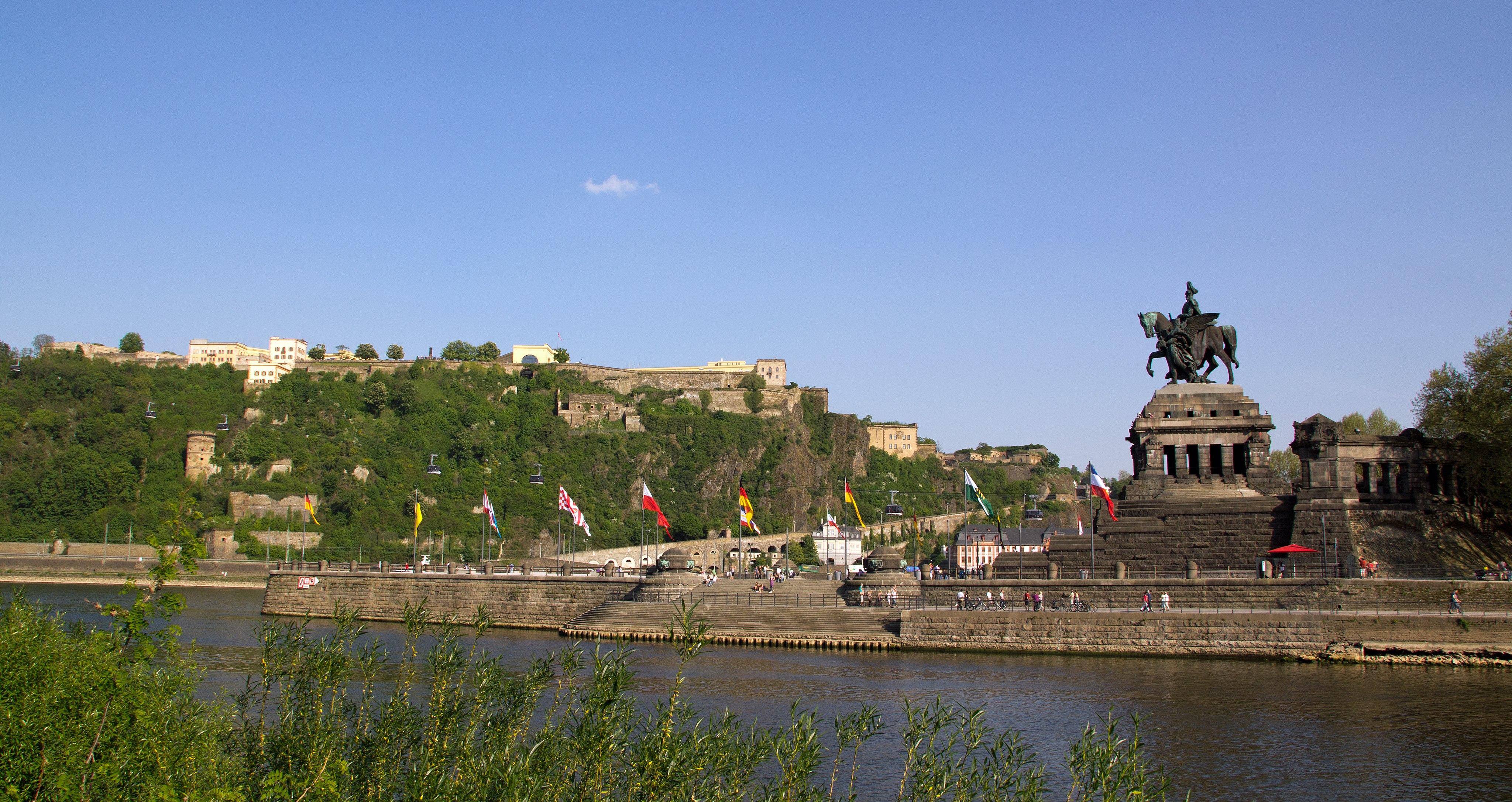 Koblenz im Buga-Jahr 2011 - Deutsches Eck 02