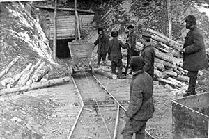 Kolyma - Prisoners at a Kolyma gold mine
