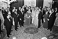 Koningin Juliana en prins Bernhard bieden de deelnemers aan de EEG-Topconferenti, Bestanddeelnr 923-0382.jpg