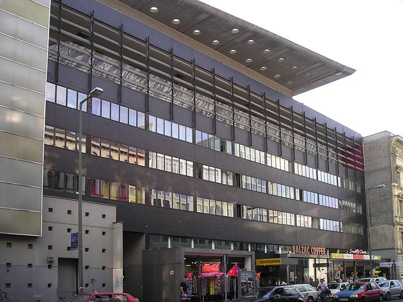File:Koolhaas-Haus am Checkpoint Charlie.JPG