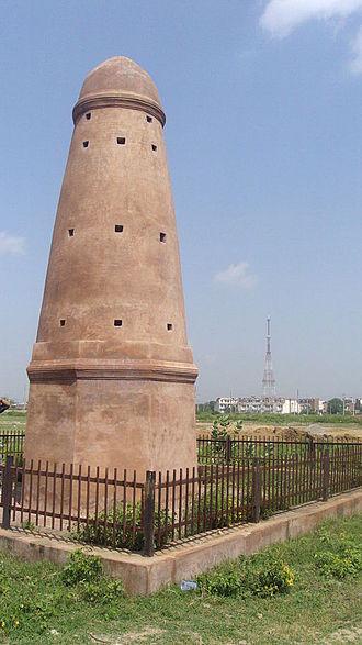 Karnal district - Kos Minar along Grand Trunk Road at Taraori in Karnal district of Haryana