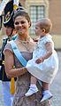Kronprinsessan Victoria och prinsessan Estelle.jpg