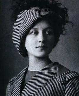 https://upload.wikimedia.org/wikipedia/commons/thumb/e/e4/LMKoreneva1908.jpg/267px-LMKoreneva1908.jpg