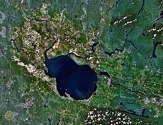 Lac Saint-Jean - Image: Lac St Jean 71.94640W 48.69243N