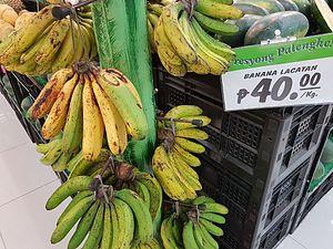 Lakatan banana - Lakatan bananas sold in the market