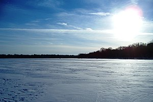 Chain of Lakes (Minneapolis) - Image: Lake Harriet Minneapolis 2007 01 20
