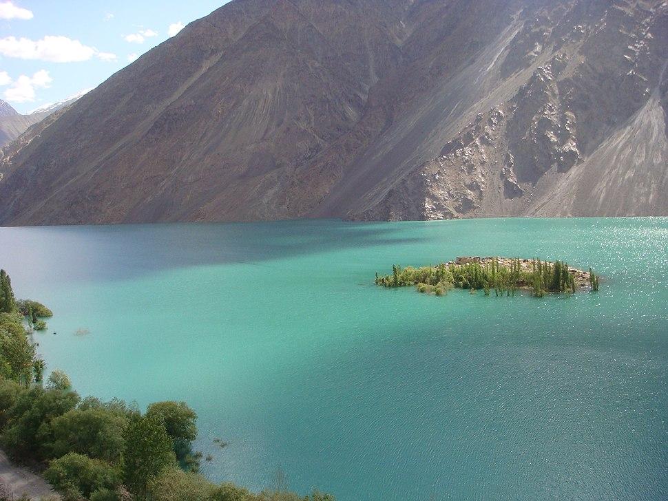 Lake Sudpara.JPG