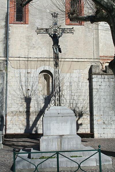 Laroque (Hérault) - croix près de l'église